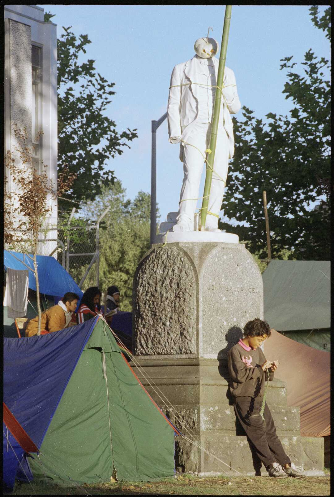 Ballance statue 1995 image from ATL